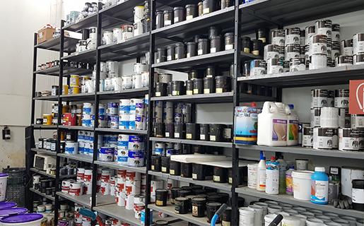 tintometri, sistemi di tintometria , sede di varese, centro colore comerio, colore su misura per te , dosatori spettrofotometri, vernici , prodotti , stanza colori
